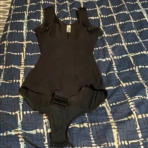 Women's body shaper/girdle